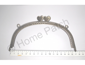 Fermoir ancien arrondi avec coeur 16.5 cm
