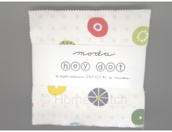 Charm Pack Moda collection Hey Dot de Zen Chic