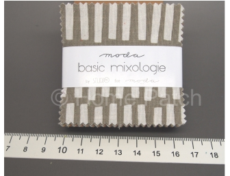 Mini Charm Pack Moda Basic Mixologie by Studio M